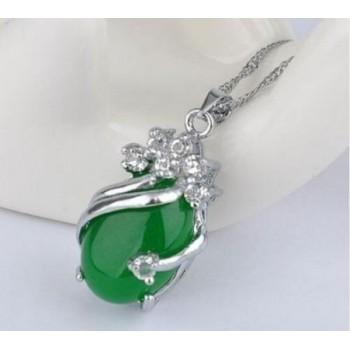 Collar lágrima de jade