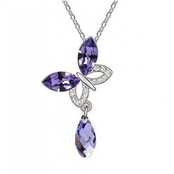 Collar mariposa con piedra